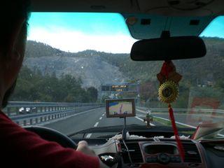 Дорога в Геную идет через горы и туннели